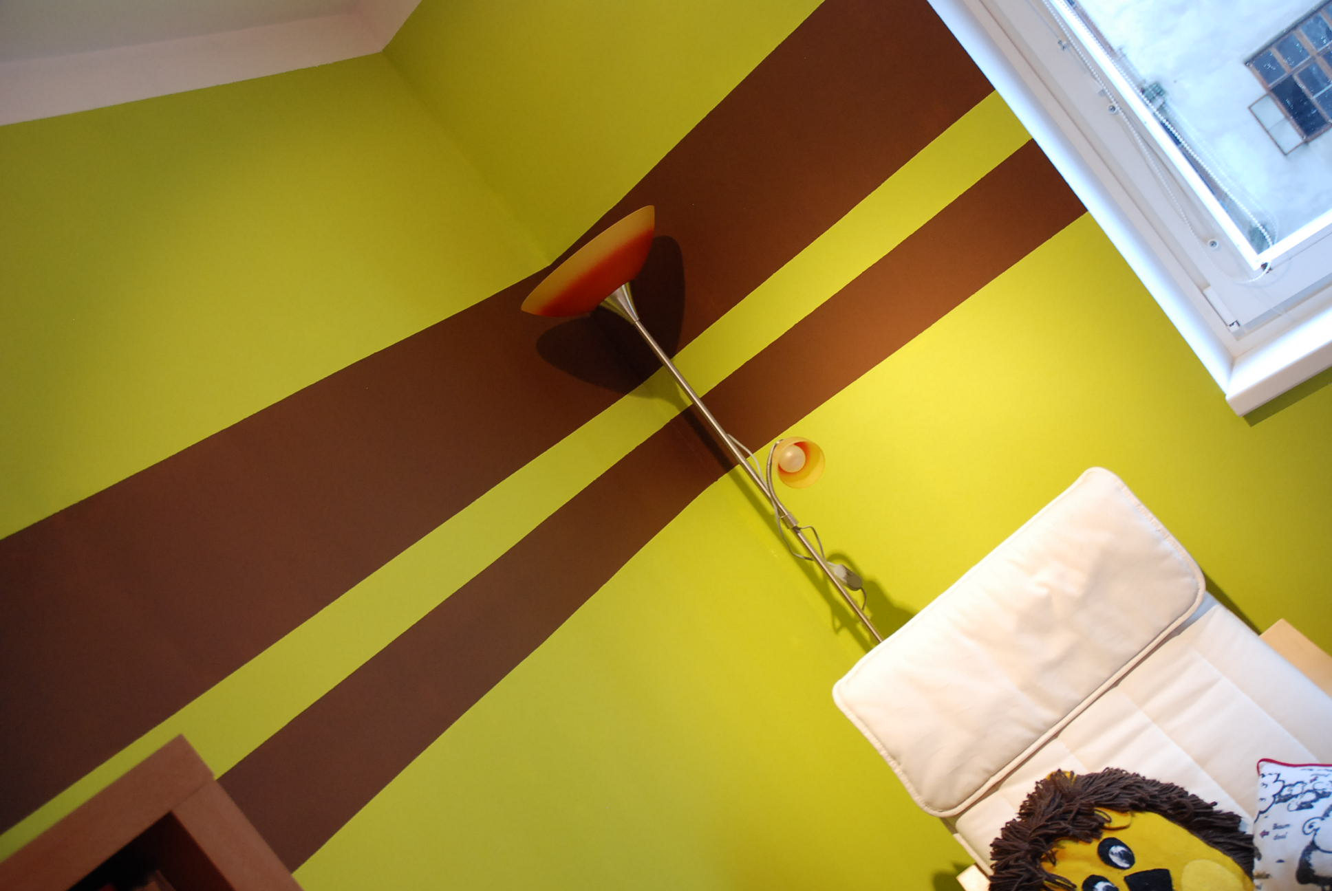Streifen An Der Wand Braun – MiDiR