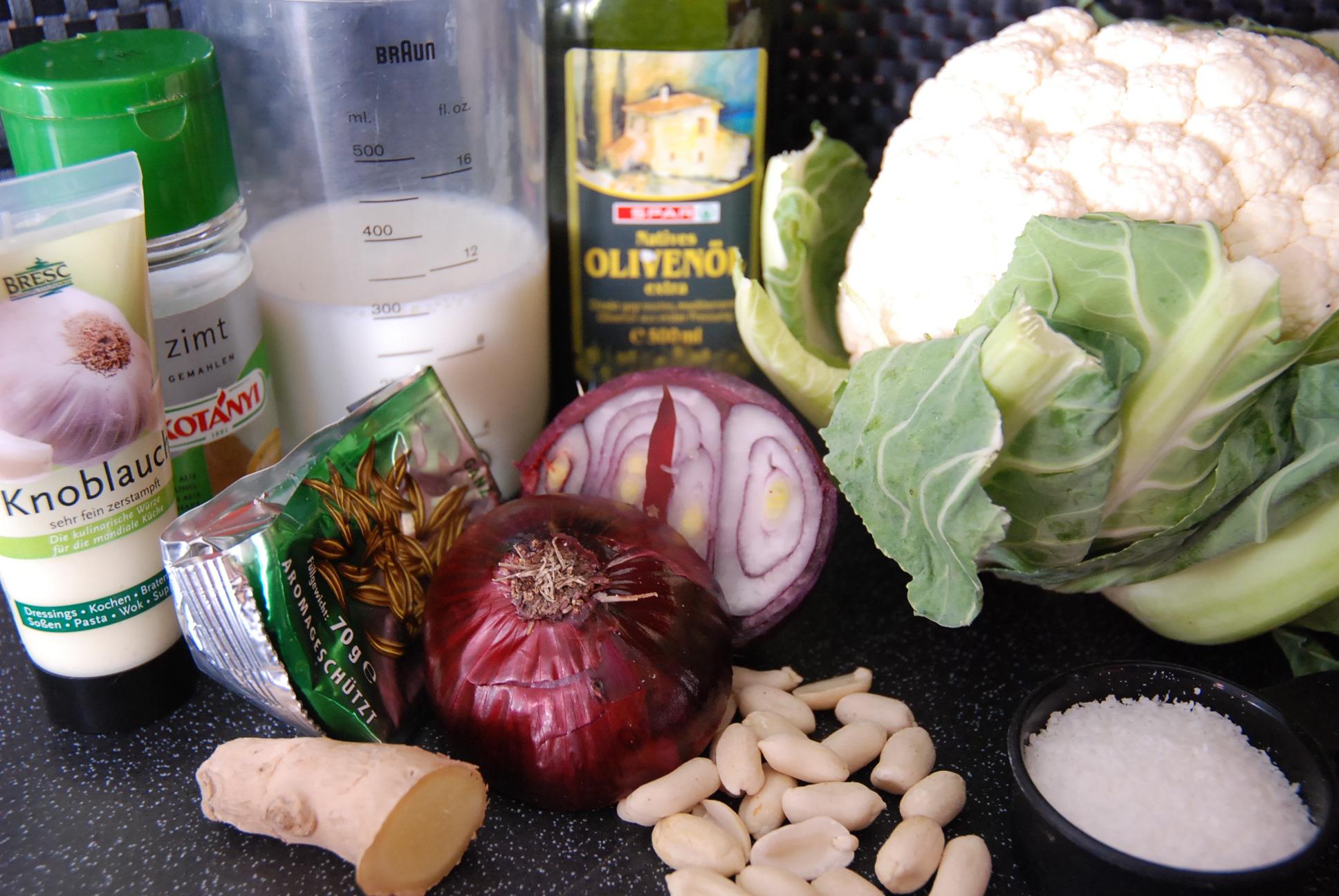 Karfiolcreme mit Cashewkernen Fit & Glücklich